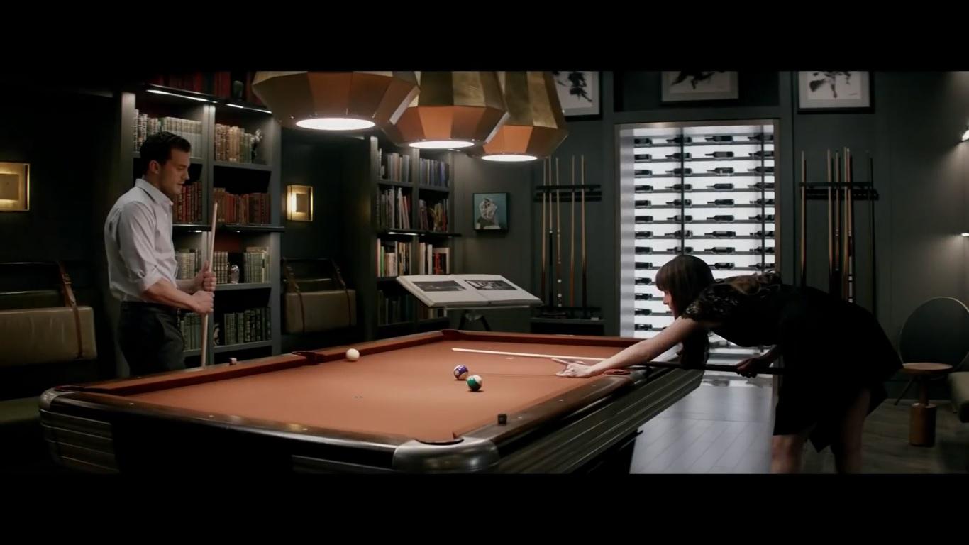 Hablando de christian grey escena de la mesa de billar 50 for Cuarto rojo 50 sombras