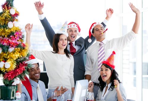 Envía saludos de Navidad y Año Nuevo desde Outlook.com
