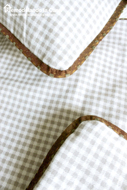 how to use fabric to make piping
