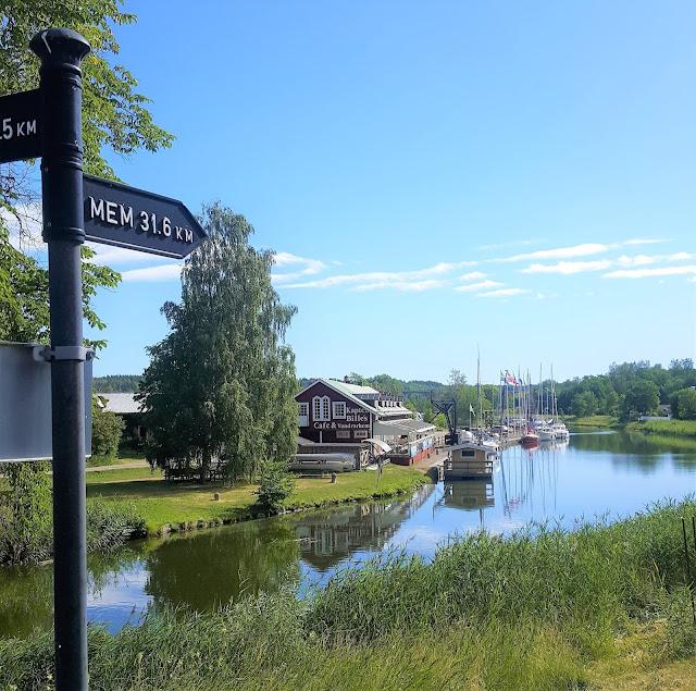 På cykel längs Göta kanal; Norsholm - Mem