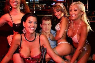 Dancingbear stripper house call featuring the dancingbear db4713 - 4 2