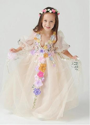 https://www.sassymyprom.com/collections/flower-girl-dresses/products/lovely-satin-organza-v-neck-a-line-wfg91672-flower-girl-dress-with-handmade-flowers