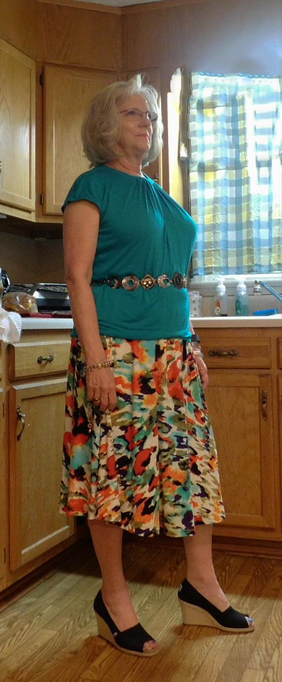 8a965cb674 Side view-this is truer color of teal top and skirt