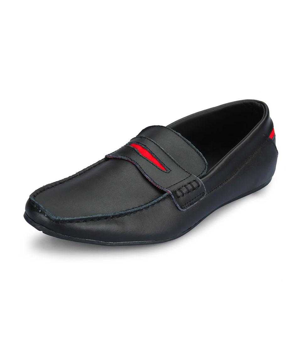 81bfa7aa837 Είναι τα παπούτσια χωρίς κορδόνια για να δένουν και μπαίνουν με μία κίνηση.  Μπορεί να έχουν επάνω τους τις χαρακτηριστικές δερμάτινες φουντίτσες,  αγκράφα, ...