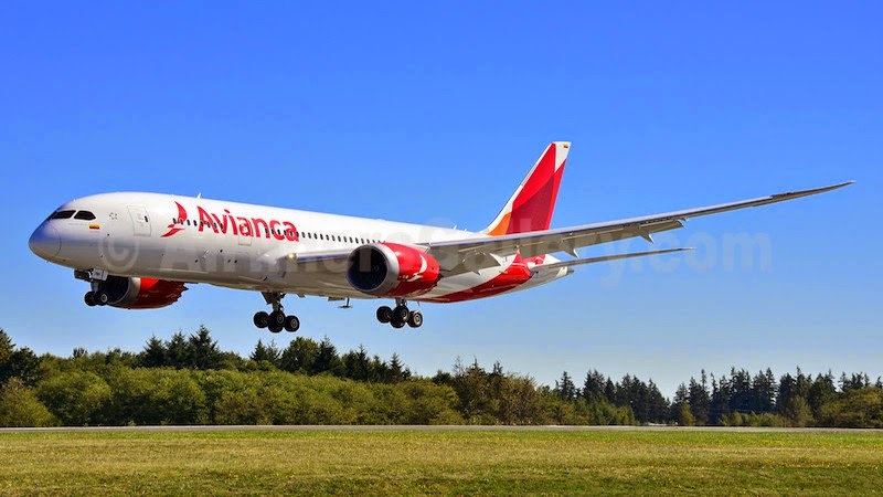 El boeing b787 8 de avianca aterriza en buenos aires for Oficina de avianca en madrid