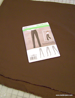 Sewing Pants – Simplicity 2860 – Amazing Fit
