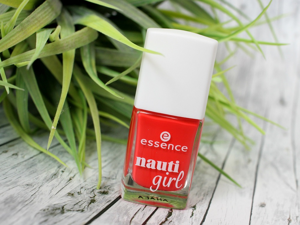 essence, duft, le, review, nail polish, lippenstift, nagellack, limited edition, swatches, trend edition, tragebilder, nauti girl, miss navy, like a nauti girl, longlasting lipstick