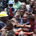 MAIS DE 100 CRIANÇAS FICAM SOTERRADAS APÓS DESABAMENTO NA NIGÉRIA