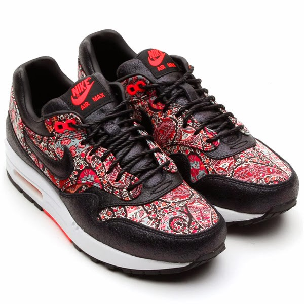 new arrival 5a399 bec44 NIKE X LIBERTY LONDON