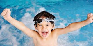 10 Cara Mengatasi Telinga Kemasukan Air Saat Berenang