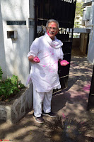 Gulzaar Celeting Holi at his Home 13 03 2017 014.JPG