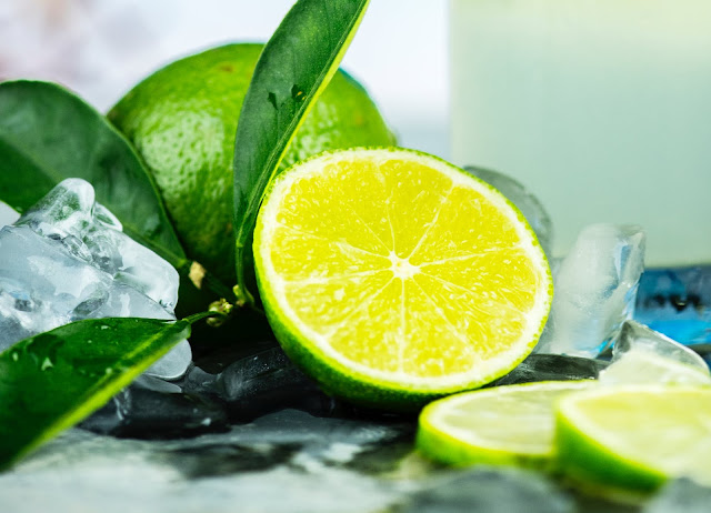 10 Amazing Lemon Face Packs For All Skin Issues