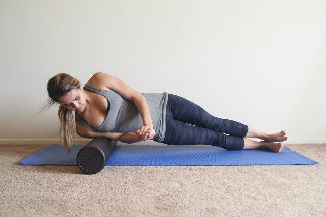 Foam roller là gì ? Bí kíp phục hồi cơ bắp với foam roller