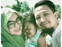 Allahu Akbar!!! Bikin Haru! Suami Istri Rupawan dan Anaknya yang Buta Tuli