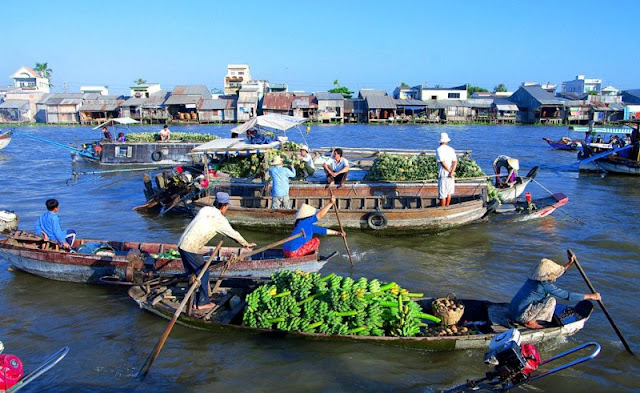Do you know about Mekong Delta Floating Market?