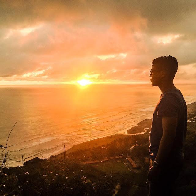 Bukit Parang Endog, Spot Keren Untuk Menikmati Indahnya Sunset Dan Sisi Lain Pantai Parangtritis