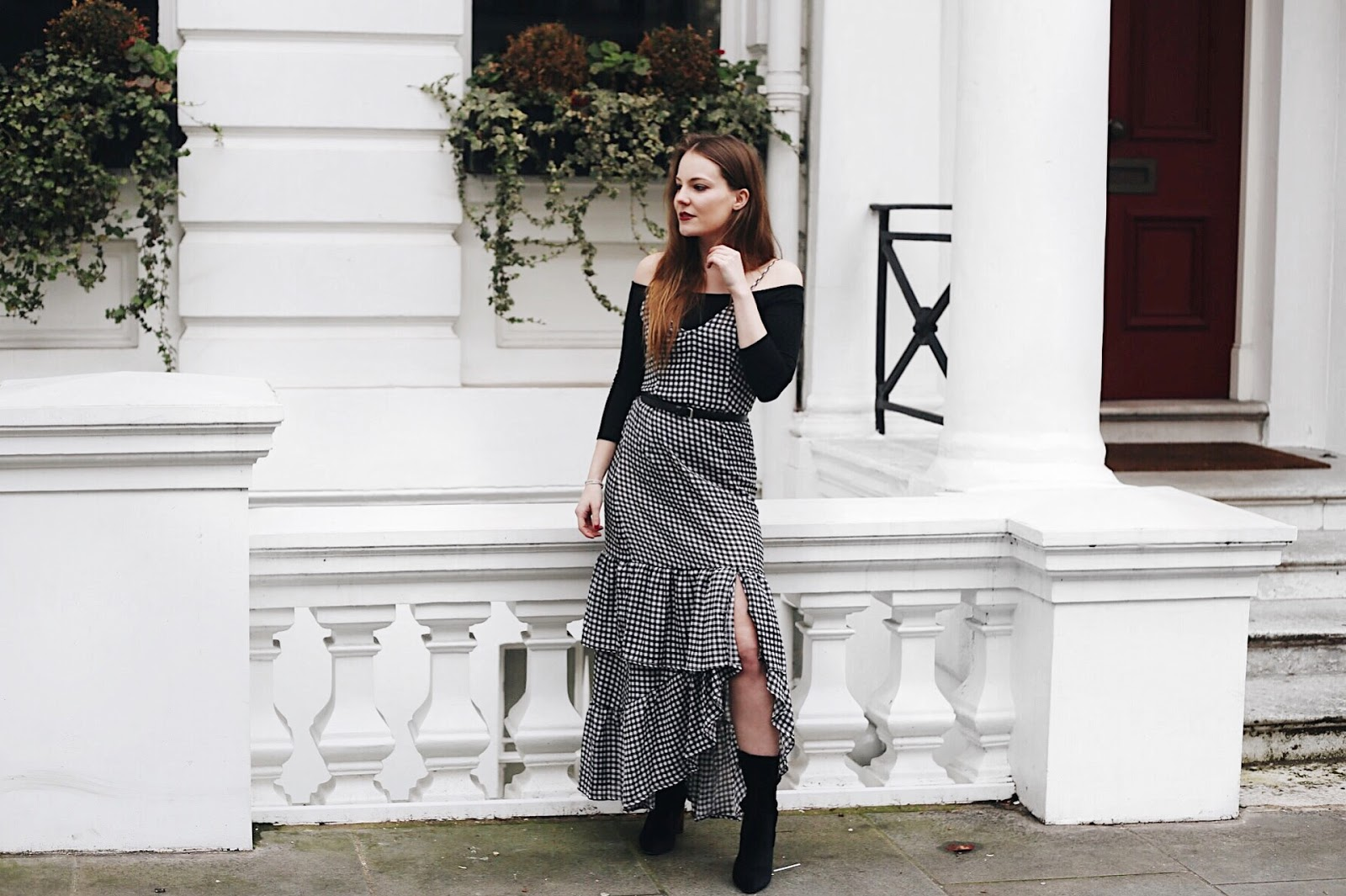 10 reasons why you should love your small breasts, small boobs, small breasted women, gingham dress, why i love small boobs, pretty little thing gingham dress, boohoo boots, chloe bag, chloe dupe bag, london style blogger, london based blogger