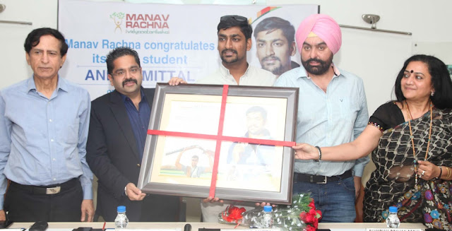 Manav-Rachna-felicitates-Ankur-Mittal-Worlds-No-1-Double-Trap-shooter