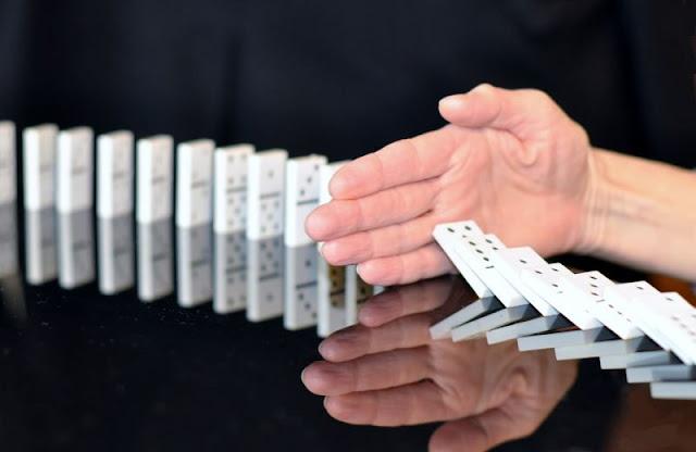 Stop domino
