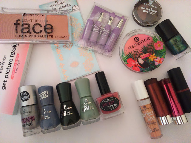 Essence Fall 2016 Collection