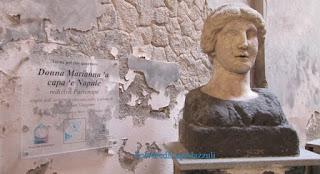 Busto della sirena conservato nella chiesa di San Giovanni a Mare
