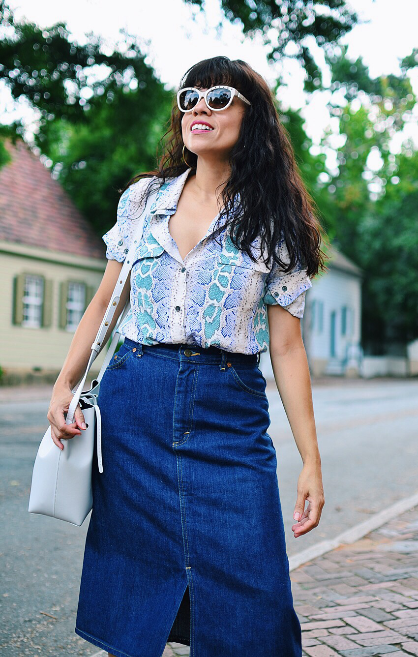 Denim long skirt street style