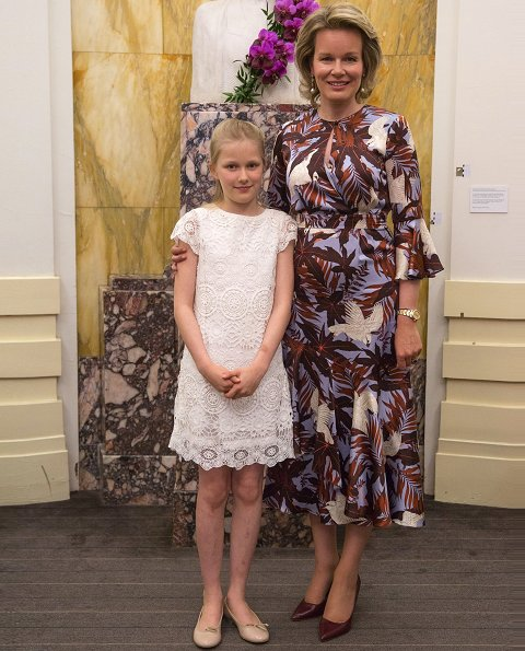 Princess Eleonore wore white lace dress, Queen Mathilde wore Erdem Florence dress agar bird