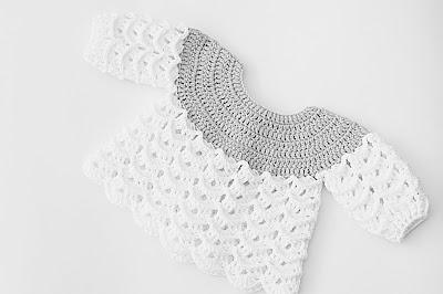 Imagen de la Chambrita gris y blanca a crochet y ganchillo por Majovel crochet