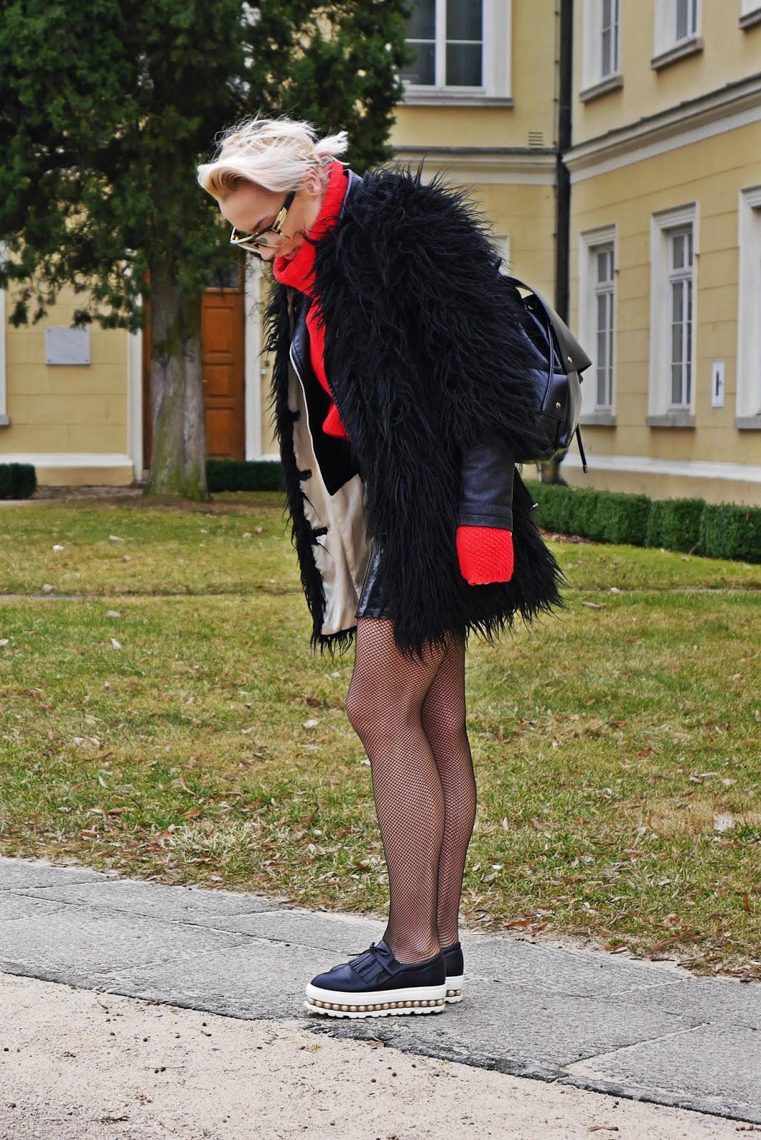 czerwony_golf_kabaretki_czarna_spodnica_karyn_blog_160317a