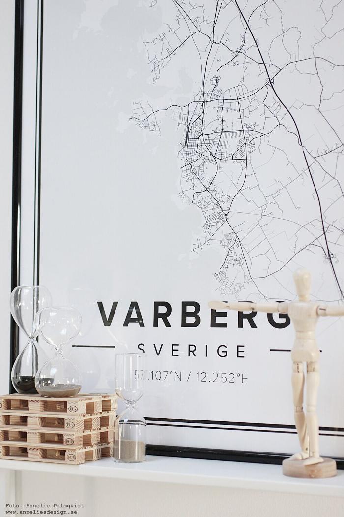 varberg, karta, mapiful, kartor, städer, stadskarta, varberg, stad, presenttips, annelies design, timglas, inredning, dekoration, tavla, tavlor, poster, posters, modelldocka, lastpall