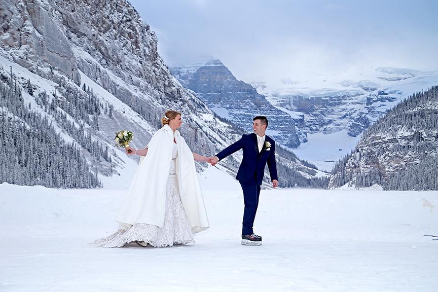 Romantic & Fun Winter Elopement