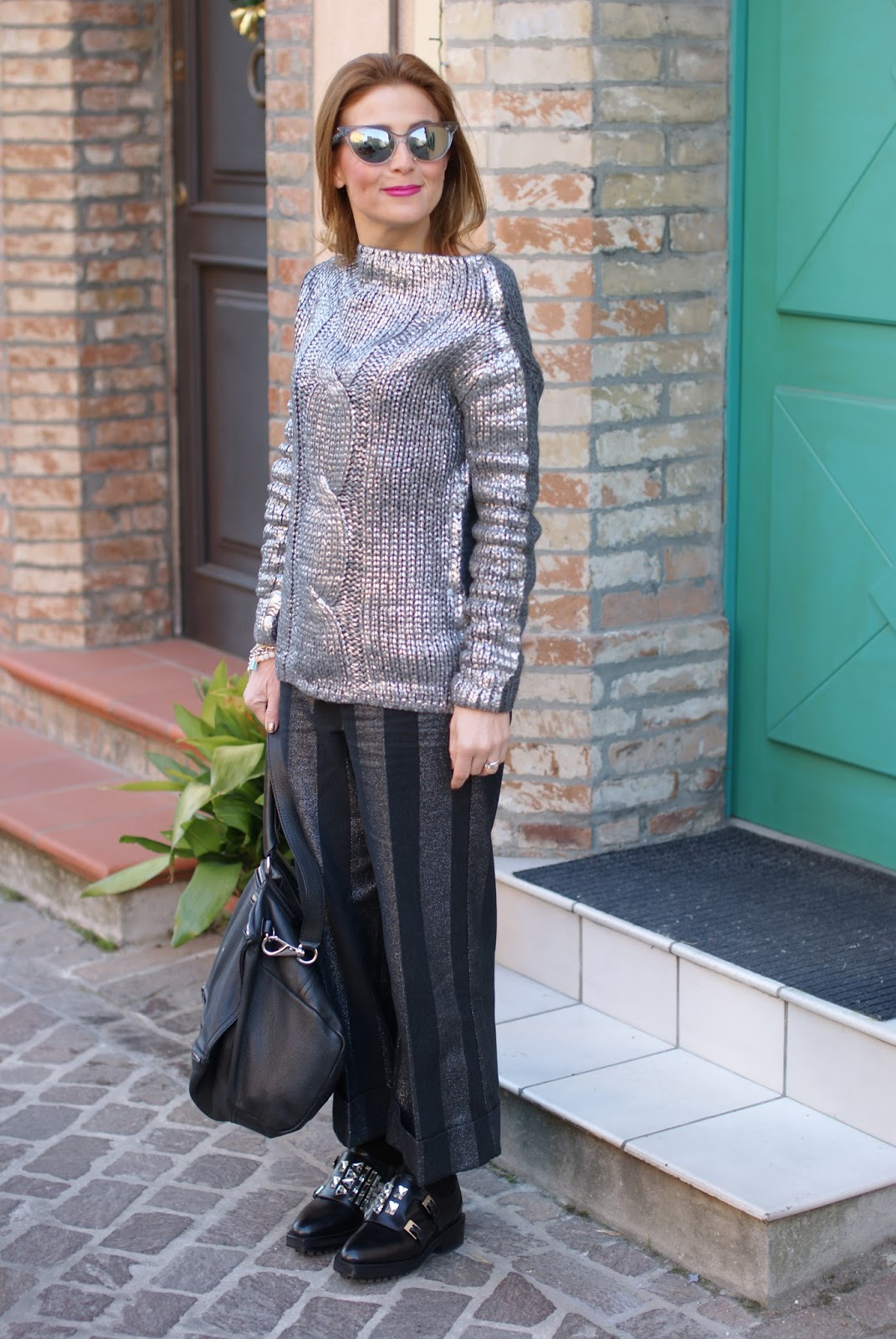 Black and silver outfit with Le Silla shoes on Fashion and Cookies fashion blog, fashion blogger style