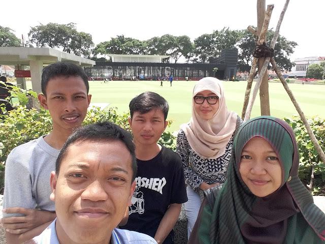 Kami di Alun-Alun Bandung