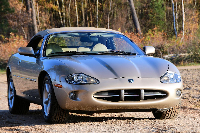 1998 Jaguar XK8 Convertible | STUURMAN CLASSIC and SPECIAL CARS