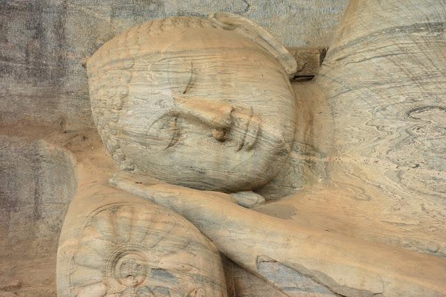 Nirvana Bouddha at Polonnaruwa