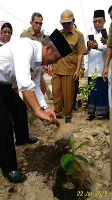 Wujudkan Desa Produktif, Bupati OKI Tanam 1000 Pohon Nangka