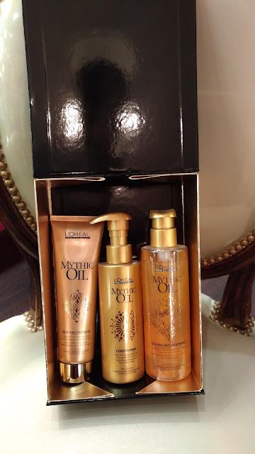 Un exemple de coffret cadeau, celui-ci composé de produits de la gamme Mythic Oil de L'Oréal