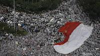 bendera merah putih raksasa demo 4 november