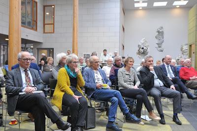 Ton Peterse en Paul Romijn met hun partners naast Wim Veerman