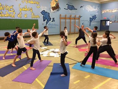 Có nên cho trẻ theo học Yoga không?