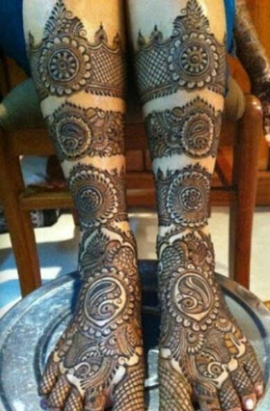 Bridal Mehandi Designs for Legs 2
