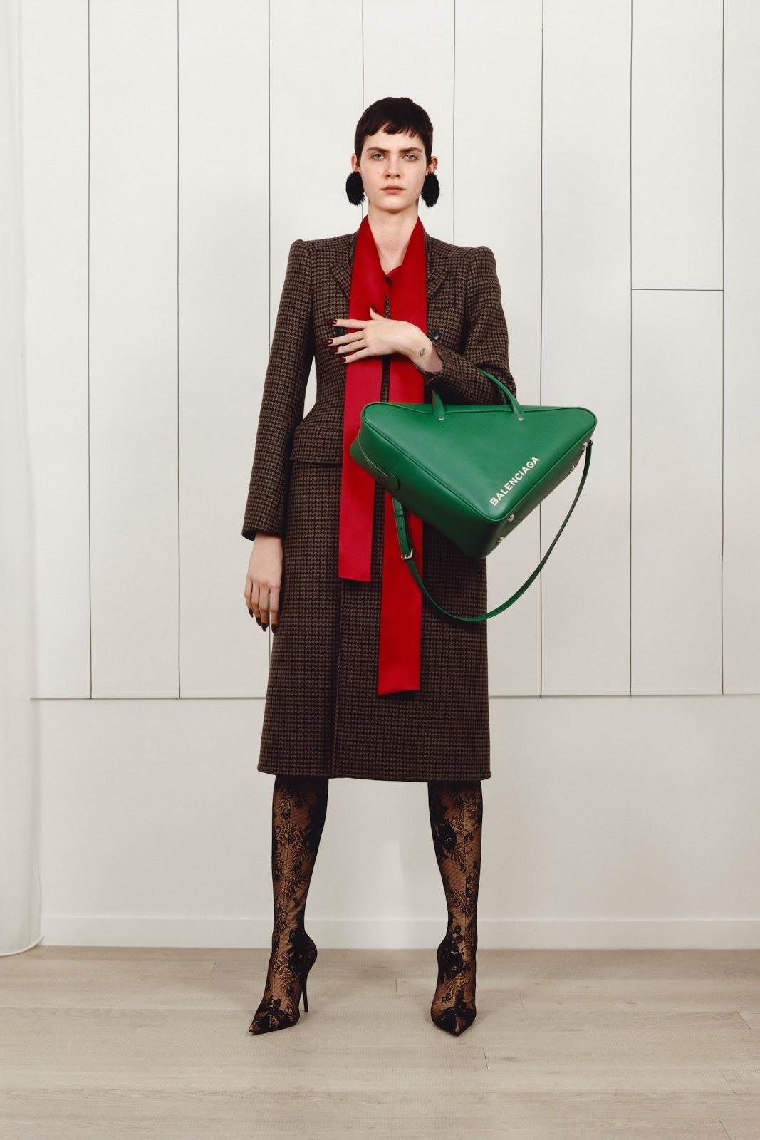 Fashion Shows Pre-Fall 2017-18 Balenciaga