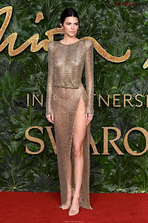 Kendall Jenner Slim  Goes  At British Fashin Show 2018 WOW     small  slim figure CEleBrity.co Exclusive 018