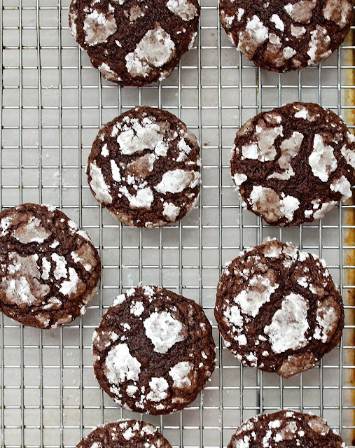 Chocolate Brownie Crackle Cookies