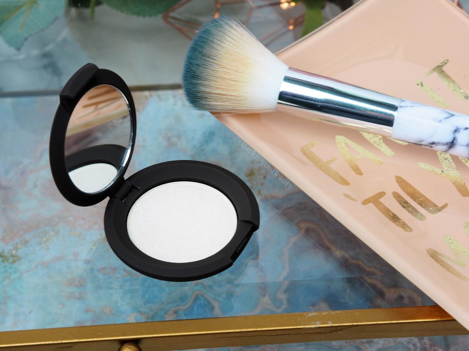 Becca Shimmering skin perfector in Vanilla Quartz