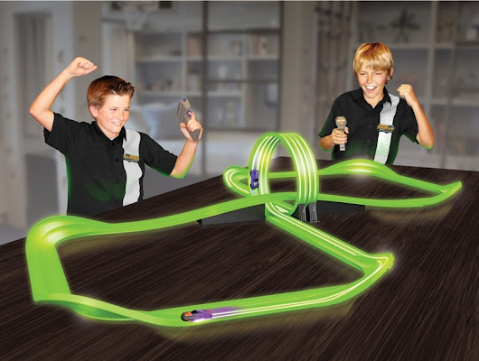 Skullduggery Max Traxxx Tracer Racers Remote Control Infinity Loop Set {Review}
