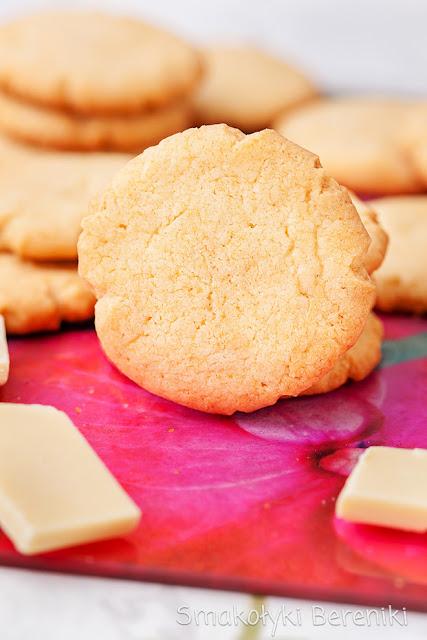 Ciasteczka o smaku białej czekolady
