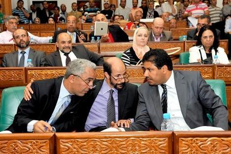 """""""البيجيدي"""" يطالب السلطات بتأمين سلامة مستشاريه بمجلس الرباط"""