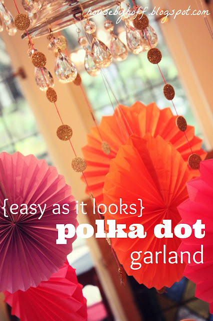 Polka Dot Garland - 10 Easy Party Ideas - #diy #party #birthdayparty #babyshower #partydecor #diydecor