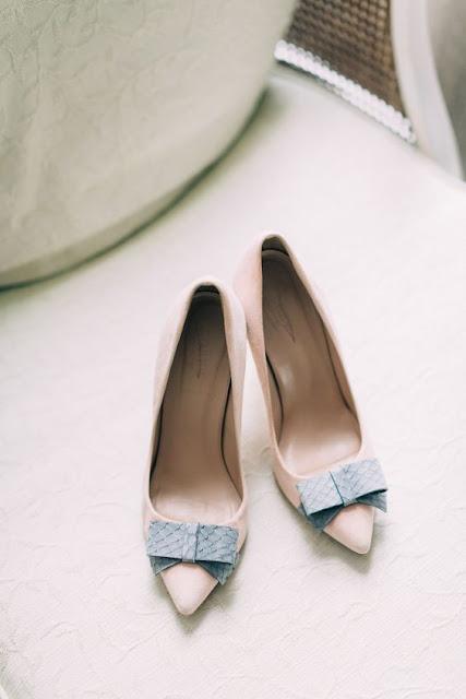 zapatos novia rosa cuarzo y azul serenity